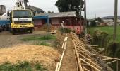 Arquibancadas do campo de futebol do bairro Centenário estão sendo concretadas - 2019-05-15 17:34:16