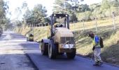 Via de acesso ao Salto Caveiras recebe camada de asfalto - 2019-07-10 17:45:18