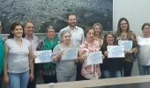 Servidores municipais recebem certificado por aposentadoria e prêmio especial por tempo de serviço - 2019-09-12 09:30:38
