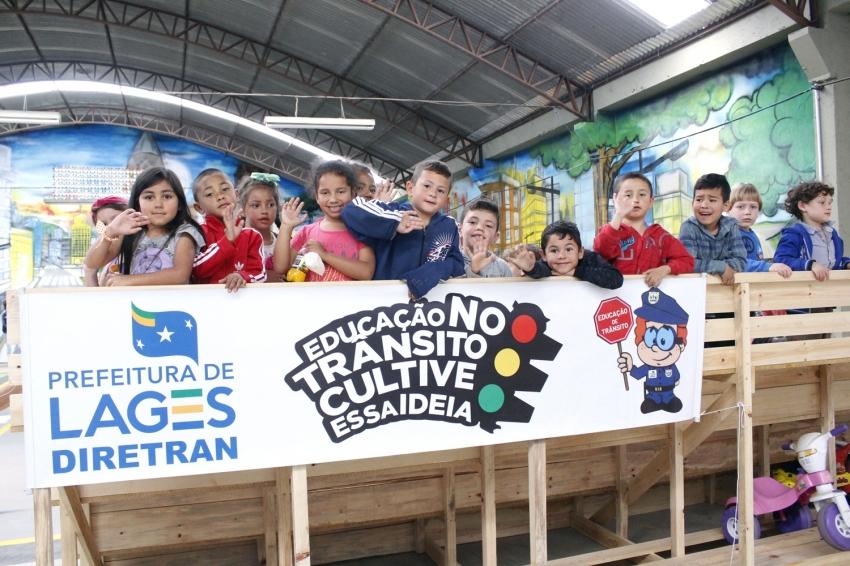 Diretran promove ação especial em comemoração ao Dia das Crianças - 2019-10-10 16:05:46