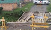 Defesa Civil interdita ponte de madeira no bairro Guarujá - 2019-10-15 15:49:00