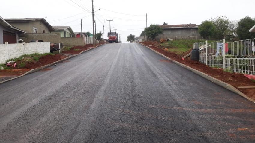 Minha Rua Melhor: três vias do bairro Caroba são asfaltadas - 2020-06-29 11:46:16