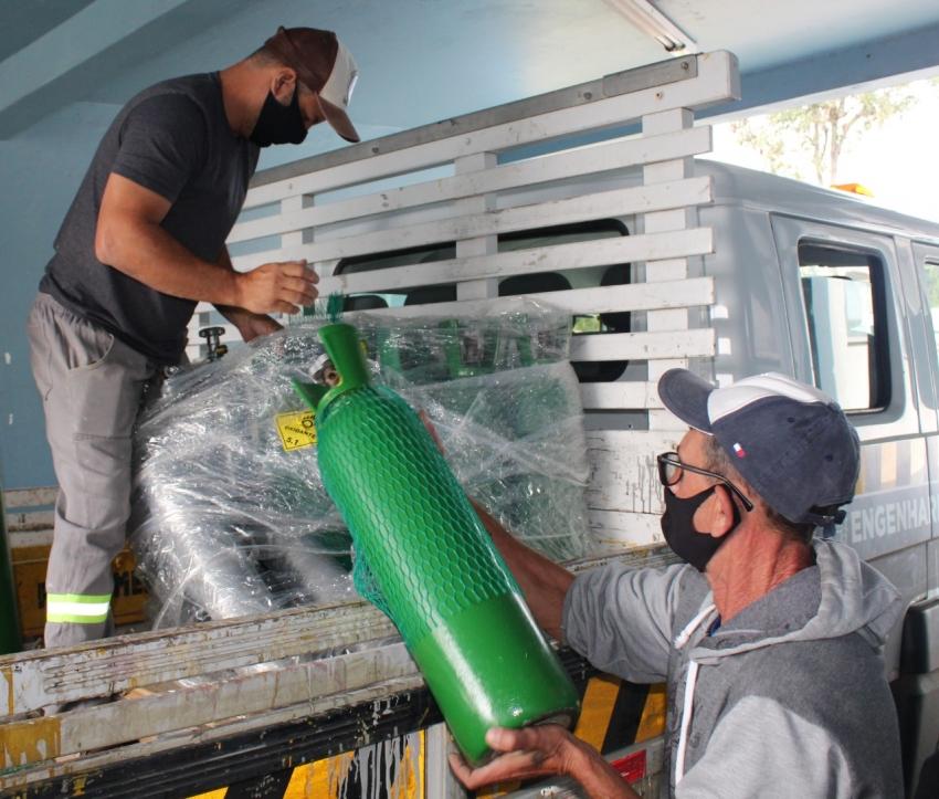 Secretaria da Saúde recebe doação de 30 cilindros da Ambev para uso em transporte de pacientes e em ambientes sem pontos fixo de distribuição   - 2021-04-06 18:18:12